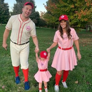"""⚾️ """"A League of Their Own"""" family costume ⚾️"""